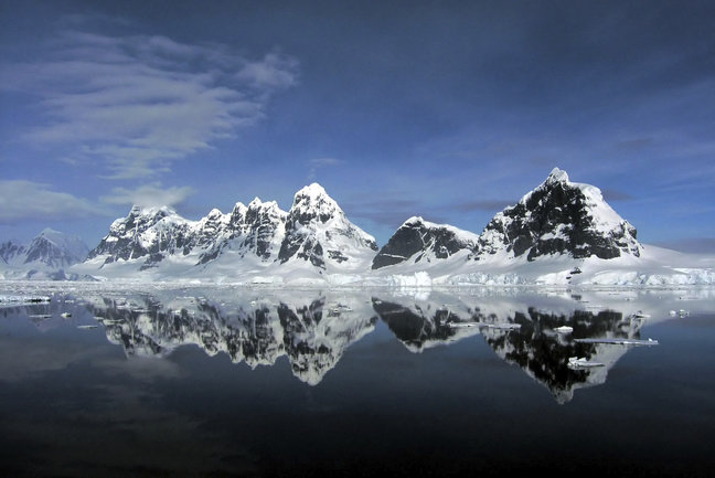Antarctica: Fly and Cruise