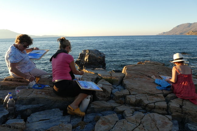 Walking and painting on Crete