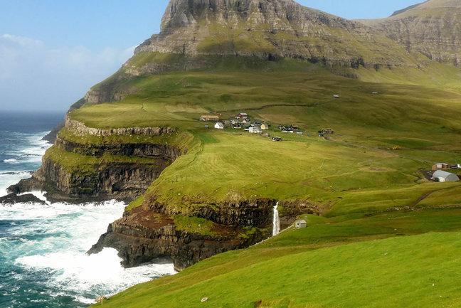 Knitting Holidays Faroe Islands : The faroe islands walk inntravel aito