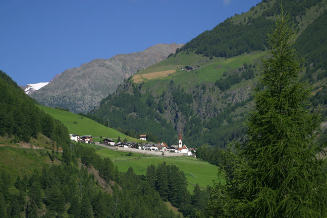 Traditions of South Tyrol Walk