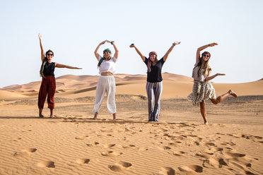Being very artistic in the Sahara